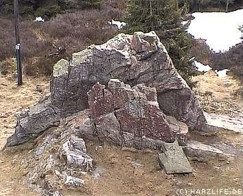 Felsen vor der Ausflugsgaststätte